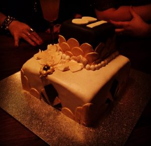Molly_art_deco_cake