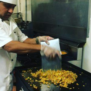 claypot_chef_making_kotu