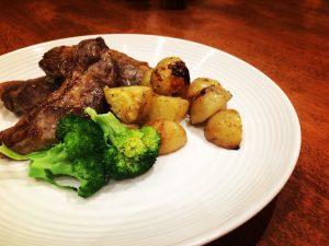 Lamb chops with rosemary potatoes